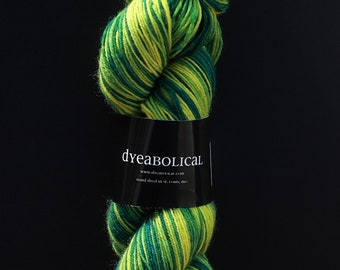DESTASH dyeabolical 2011 lonely goatherd blue faced leicester bfl hardtwist
