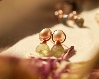 Prehnite and pearl earrings, wirewrapped stud earrings, rose gold stud earrings, two stones earrings, small earrings, gemstone earrings