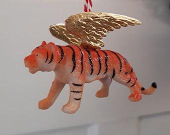 Golden winged tiger