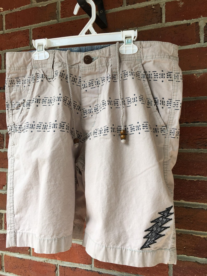 Men\u2019s Size 30 Skull and Bolt Applique Recycled Shorts
