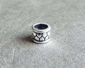 Silver Tone Patterned Dread Bead
