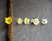 Antiques Brass Shades of Yellow & Cream Flower Dreadlock Accessory