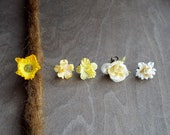 Antiqued Brass Shades of Yellow & Cream Flower Dreadlock Accessory