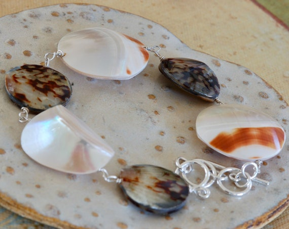 Beachy Shell Bracelet