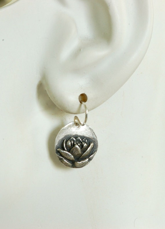 A Simple Lotus Earring