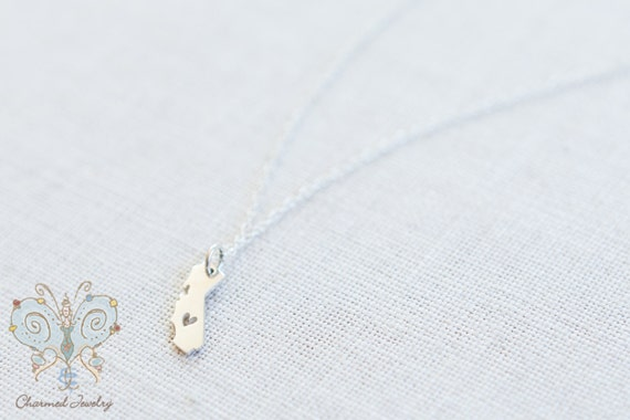 California Charm Necklace - Love to Mom from California