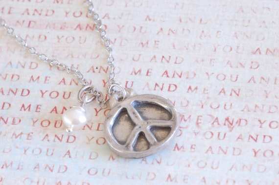 Simple Peace Sign Necklace