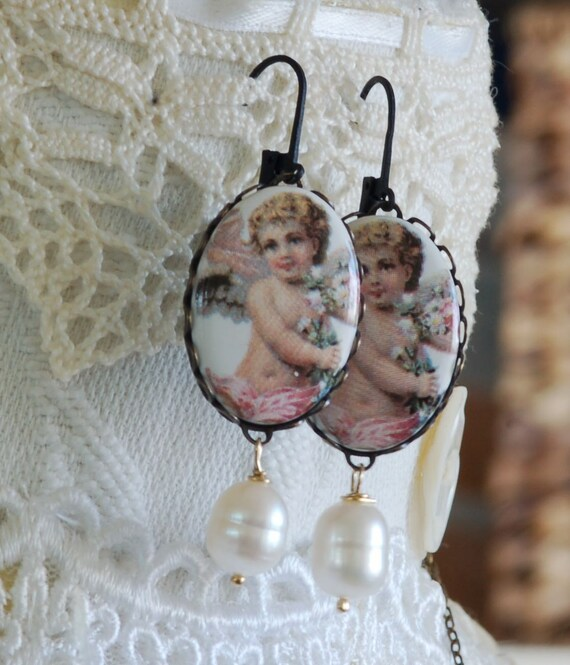 True Romance Earring - Vintage Valentine Gift - Cabochon Earring