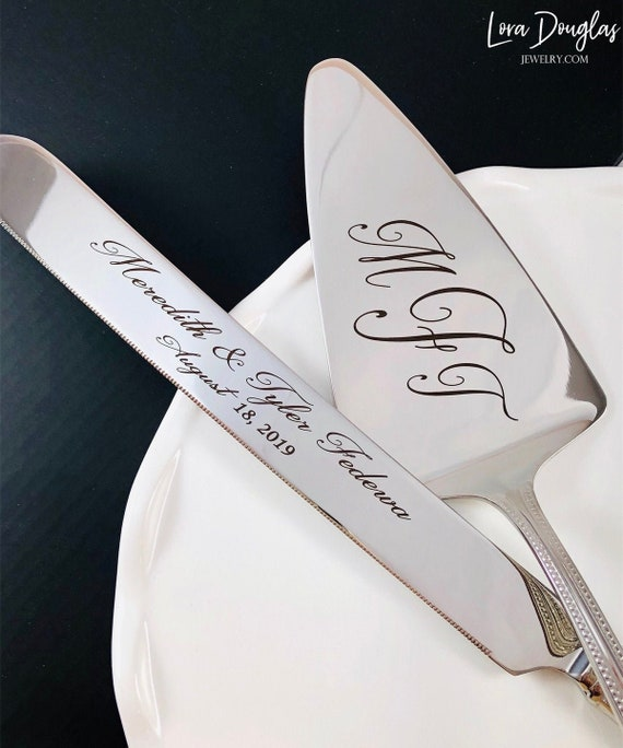 Wedding Cake Serving Set Engraved With a Name and Date Wedding Keepsake by Wedding Tokens Sale