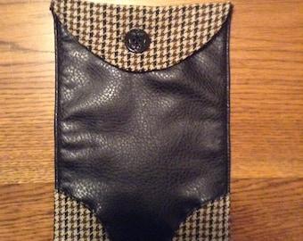Brown and Black Houndstooth/Black Polyurethane Tablet Case
