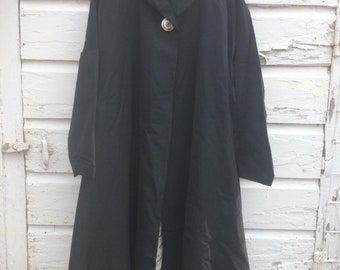 Black 1950's lightweight coat with style!