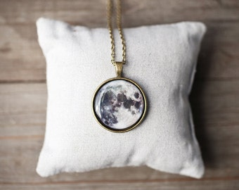 Full moon necklace, Mothers day gift, Moon jewelry, Planet necklace, Space necklace, Planet pendant, Solar system pendant, Space jewelry