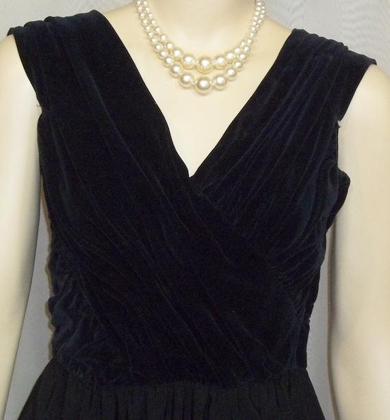 Vintage 1940's Carlye Black Velvet Rayon Swing Dre
