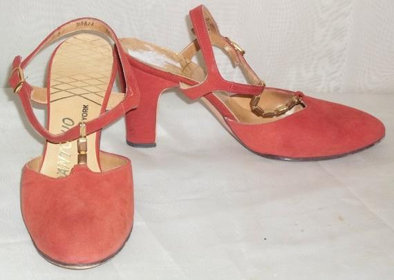 Vintage D'Antonio T-Strap Mary Janes Suede Heels S