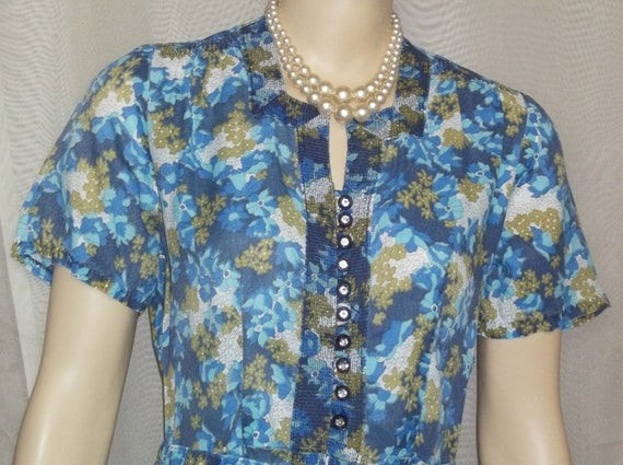Vintage 1940's Blue Floral Women's Day Dress Mediu