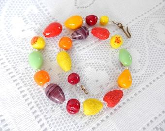 vintage fruit salad necklace, vintage glass beads, 1950s, short necklace, vintage jewelry