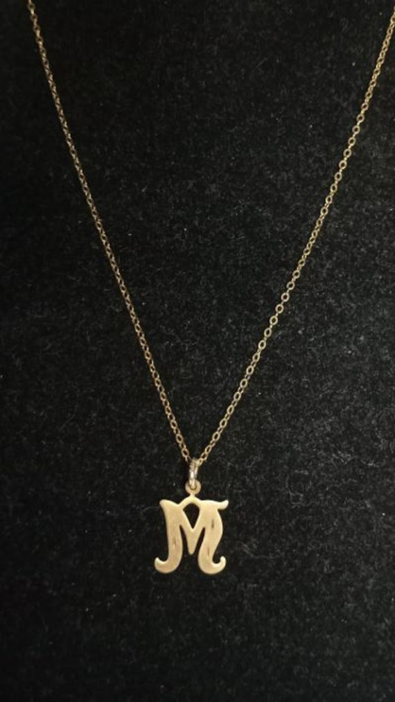 """Vintage 14kt yellow gold initial M pendant on 16"""""""