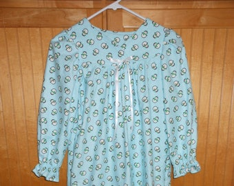 Size 6 penquins nightgown