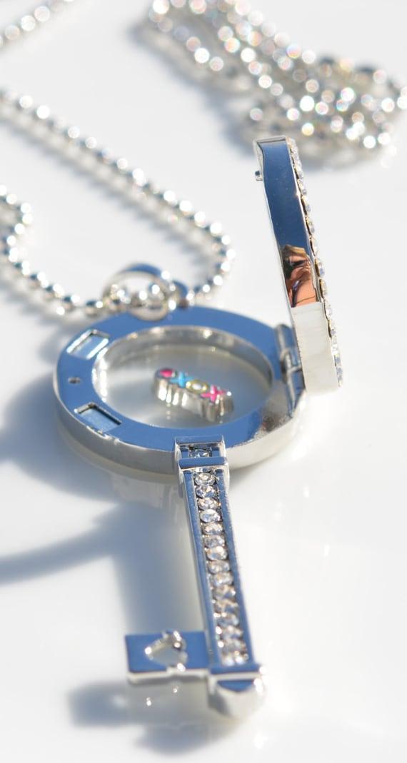 1 Key Shaped Rhinestone Memory Locket with Chain C915