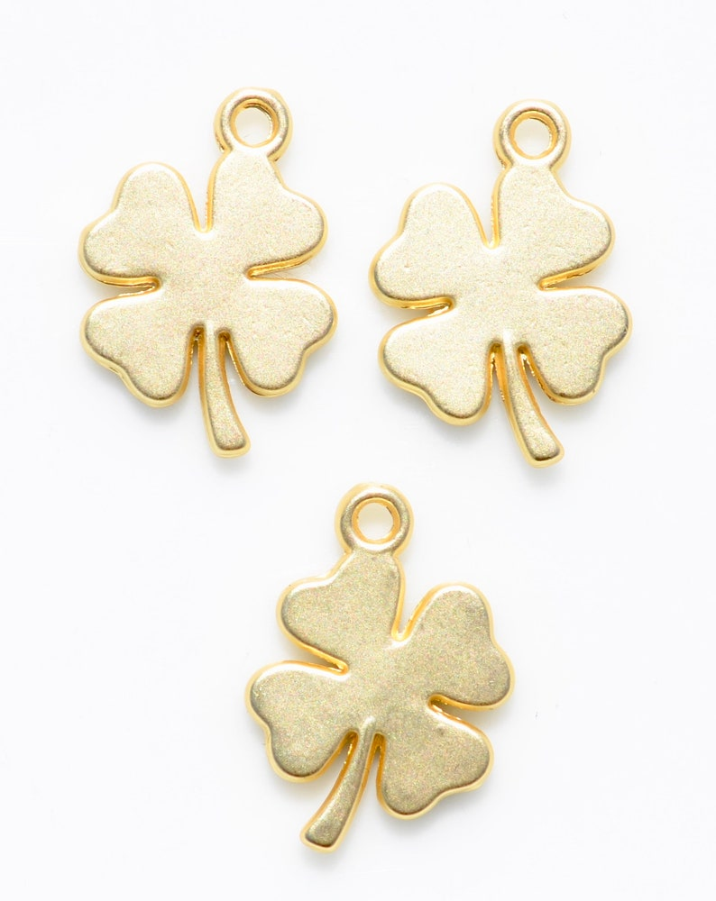 Gold Tone Charm GC5623 1 Clover 4 Leaf