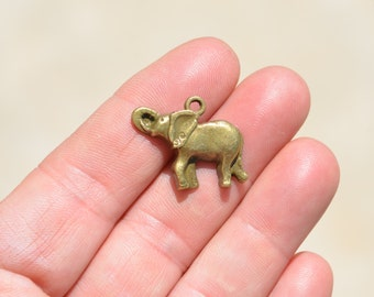 10 Bronze Elephant Charms BC3803