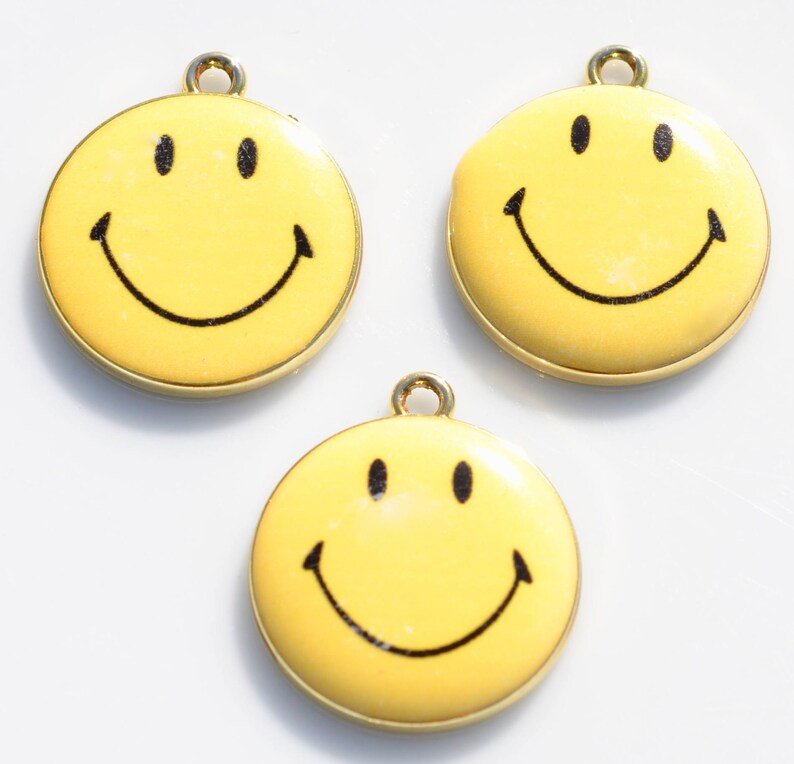 BULK 20  Smiley Face Emoji Gold Plated and Yellow Enamel Charms GC5417