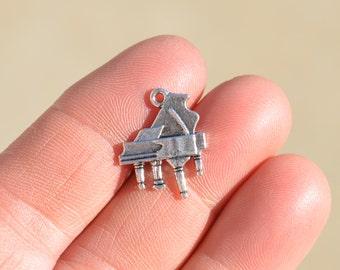 5   Piano Silver Tone Charms SC1425