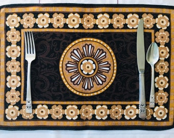 10 Linen Placemats, 1970s Home, Bohemian, Medallion, Table Linens, Dinner Party, Table Setting