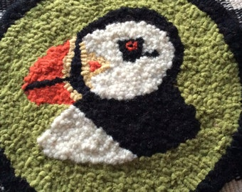 Atlantic Puffin Teapot Mat Rug Hand Hooked Wool Strips on Brin Burlap Round Coaster Newfoundland Traditional Crafts