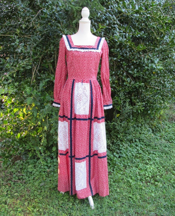 70s Burgundy Red Maxi Dress/ Size Small/ Calico Fl