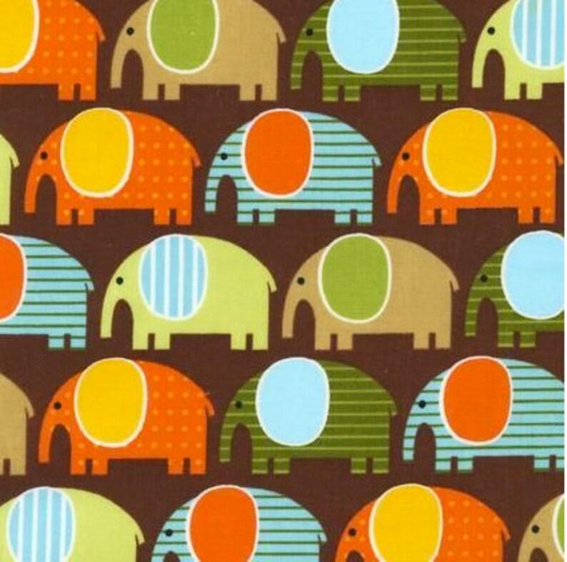 1 1/2 Yards Kaufman Urban Zoologie Elephants Brown 100% image 0