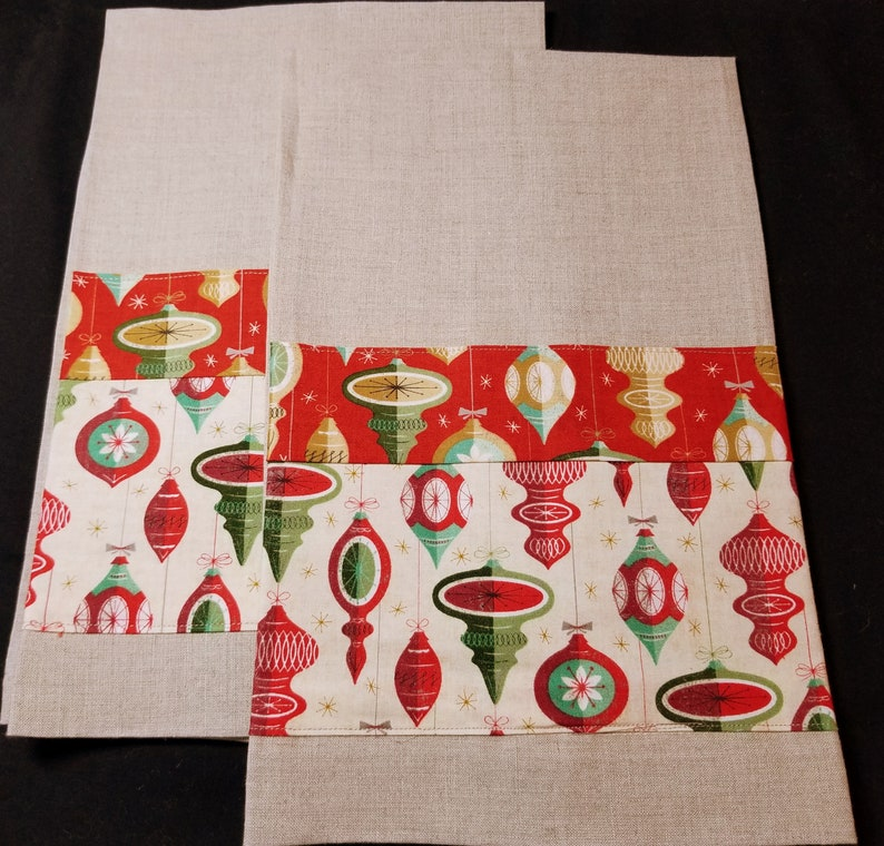 Old-time Holiday Ornaments  Linen Hand/Tea Towels pair image 0