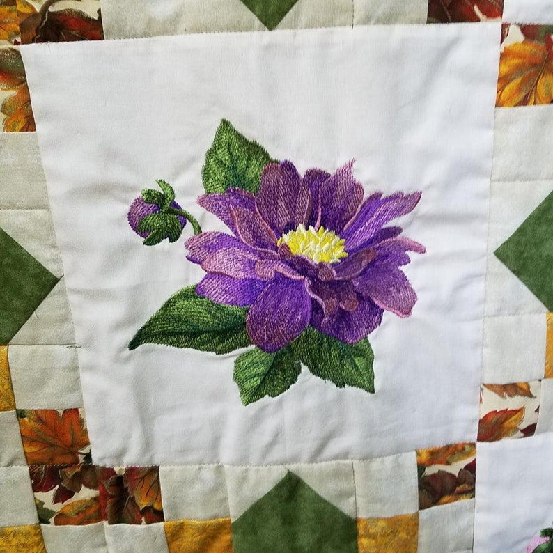 Dahlia Garden Lap Quilt