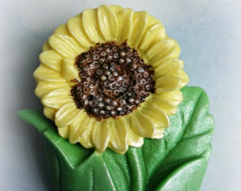 Small Sunflower Soap in Tin