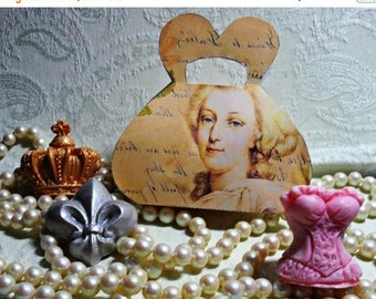 SALE 30% OFF Marie Antoinette Handcrafted Guest Soap Gift Set