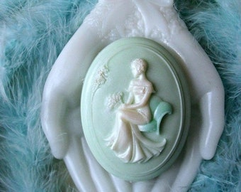 SALE 30% OFF Cameo Soap with Aloe Bette