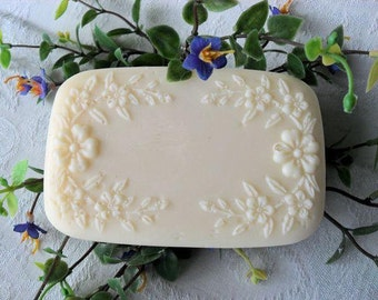 White Satin Handcrafted Soap with Aloe and Buttermilk