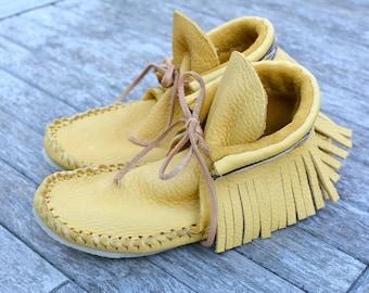DEERSKIN MOCCASINS, Ladies Fringe Moccasins,  Handmade Shoes, Fringe Boots, Leather Shoes, Leather Mocassins, Fringe Boots, Made in Canada