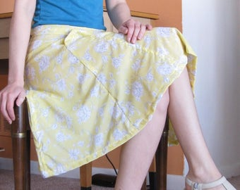 Floral Yellow Midi Skirt with Pockets