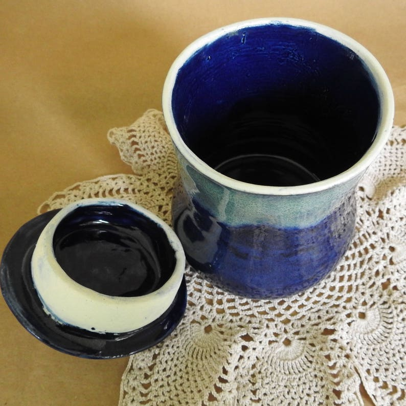 Kitchen Cotton Balls or Makeup Jar Q-Tip Jar Bedroom Jam Jar Dining Handmade Ceramic Hair Clips Bathroom Condiment Jar Sugar Bowl