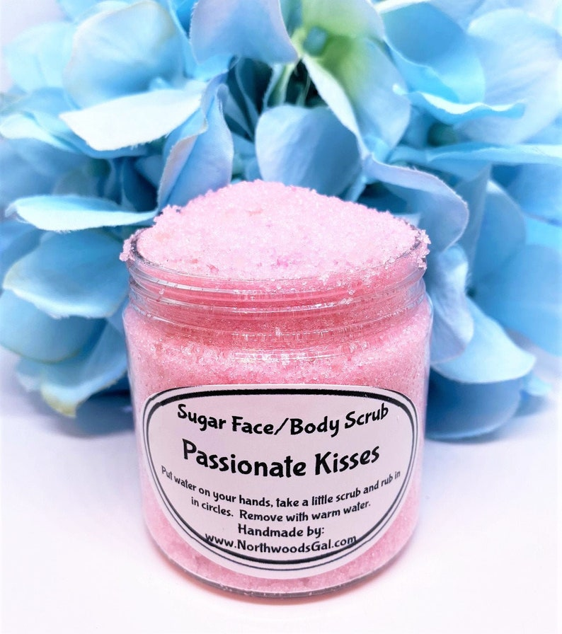 Sugar Scrub Passionate Kisses or choose a scent Cleanser image 0