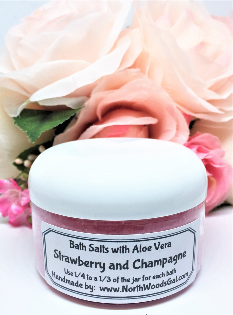Bath Salts Strawberry & Champagne or choose a scent Aloe image 0