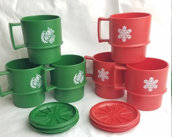 Vintage Tupperware 1312-51 Christmas coffee cups mugs w/lids red green stacking plastic