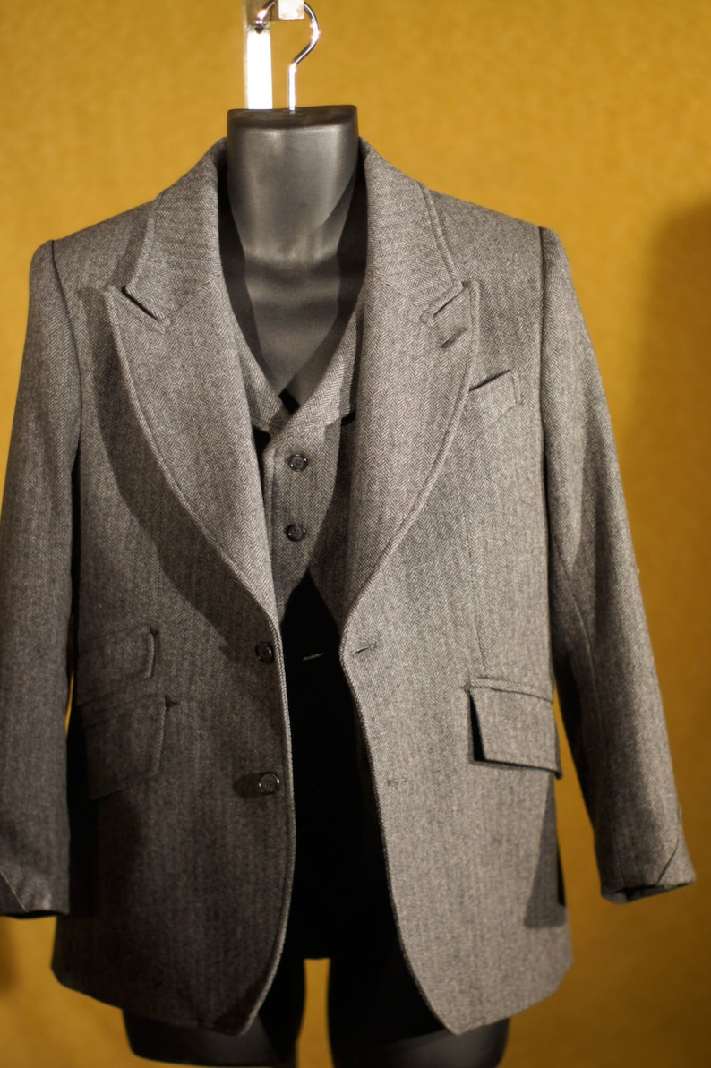 1930s Men's Suits History Famous 1920s Style 3pc Suits---In Herringbone Tweed $2,275.00 AT vintagedancer.com