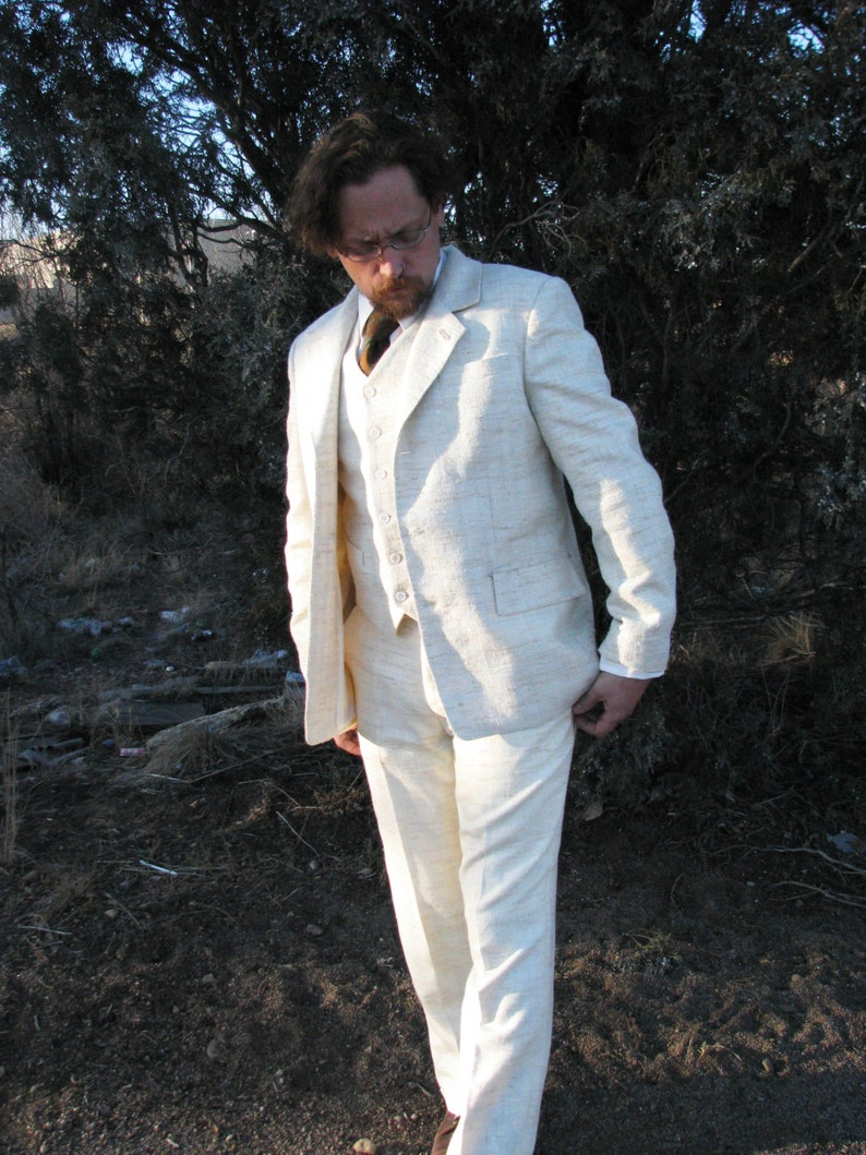 1920s Men's Suits History White Silk and Linen 3pc Suits----1909 Bespoke $2,225.00 AT vintagedancer.com