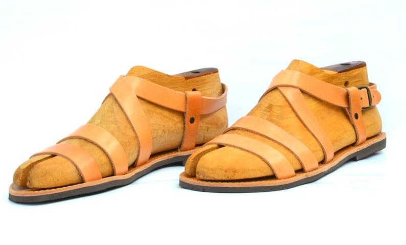 f5fde1e119f Sandalias de cuero romano griego para los hombres nuevo