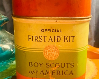 1930's Boy Scouts Of America First Aid Kit