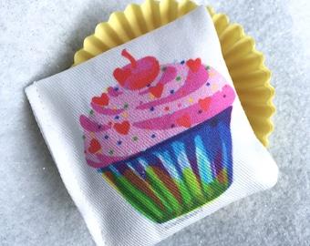 Cupcake Catnip Cat Toy ~ Organic Catnip Toy ~ Cat Birthday Gift ~ Catnip Cupcake ~ Fur Baby Gift ~ Cat Present ~ Muffin Toy
