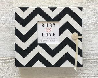 BABY BOOK   Black Chevron Stripe Album