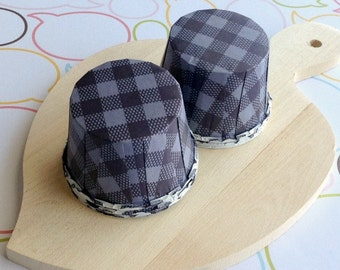 25 Navy Blue Gingham Baking Cups